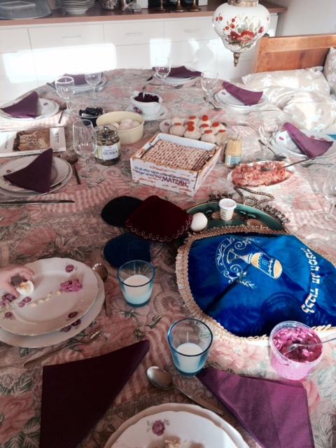 Bordet uppdukat för Pesach